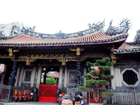 台湾訪問録(3)~お寺回り_b0145843_00011380.jpg