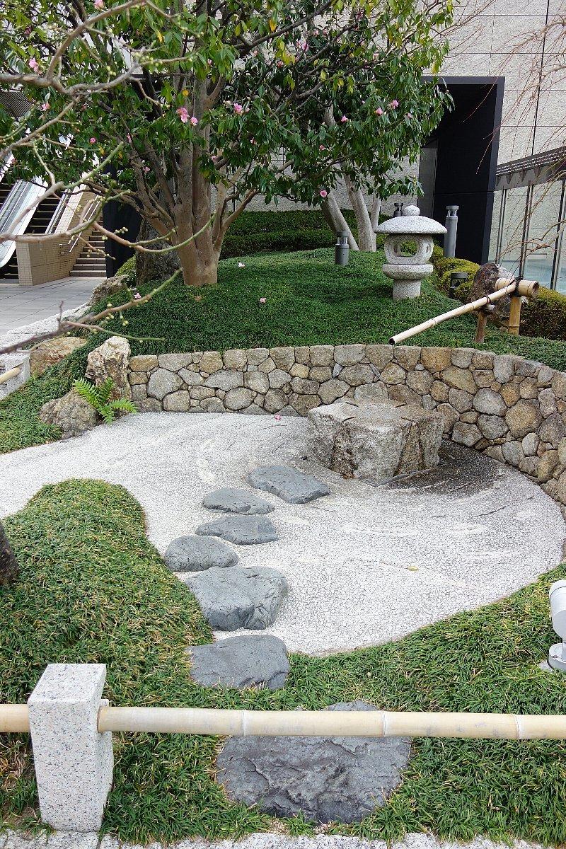 大阪ステーションシティ 和らぎの庭_c0112559_08134311.jpg