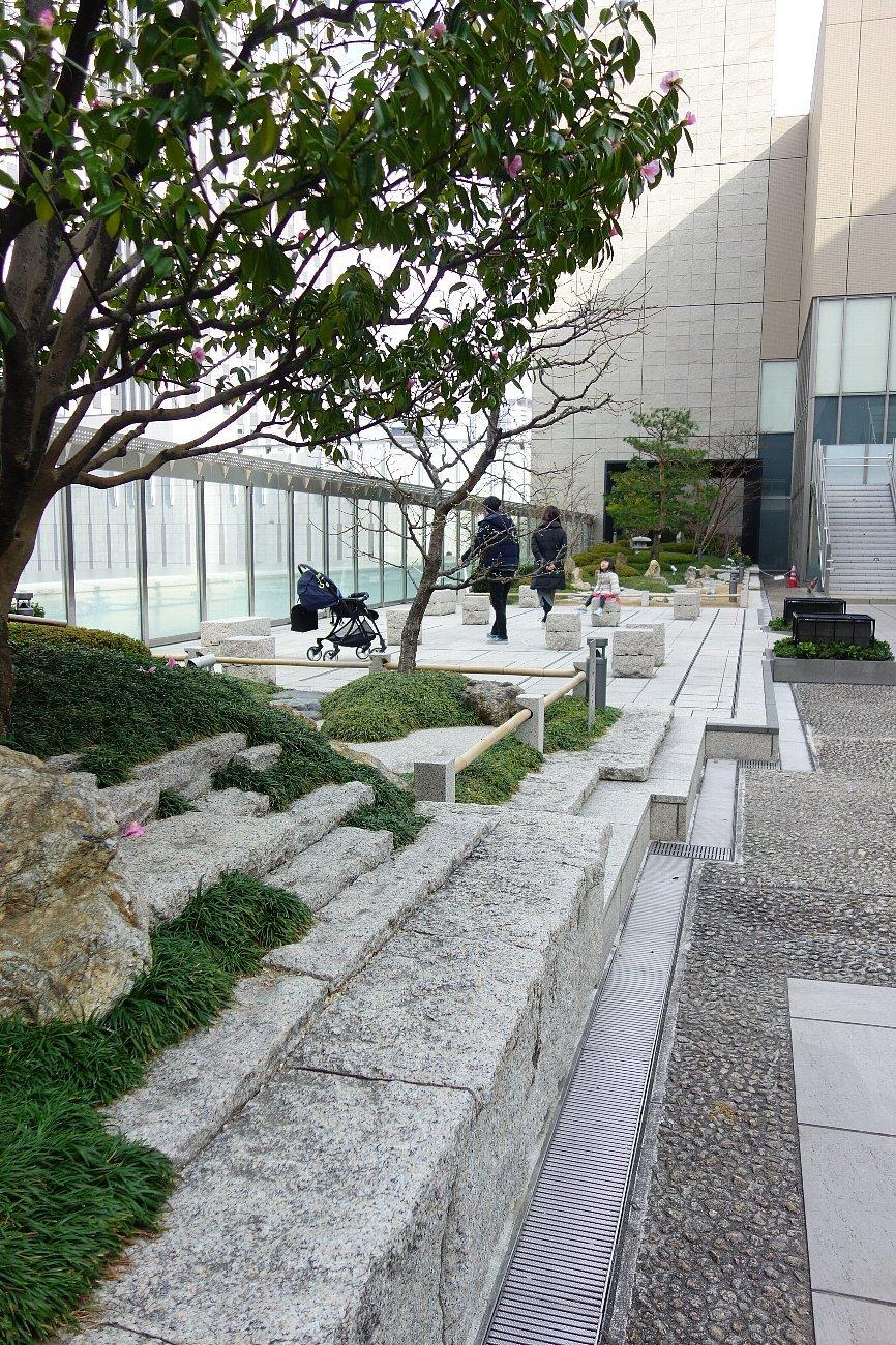 大阪ステーションシティ 和らぎの庭_c0112559_08142362.jpg