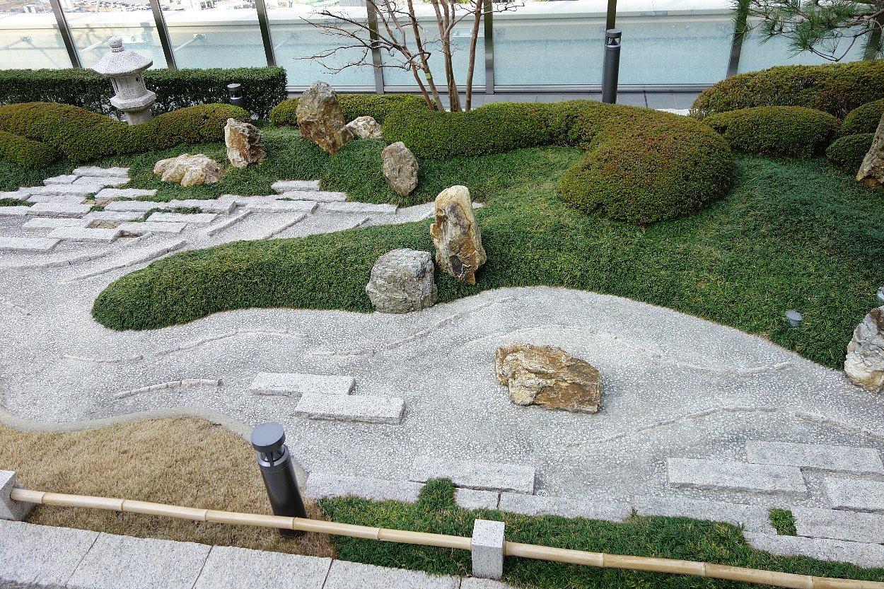 大阪ステーションシティ 和らぎの庭_c0112559_08174044.jpg