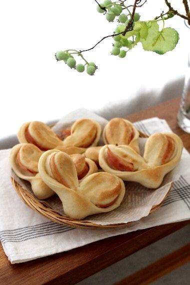 「日本一簡単に家で焼けるかわいいパンレシピBOOK」入荷していました!_f0224568_13080426.jpg