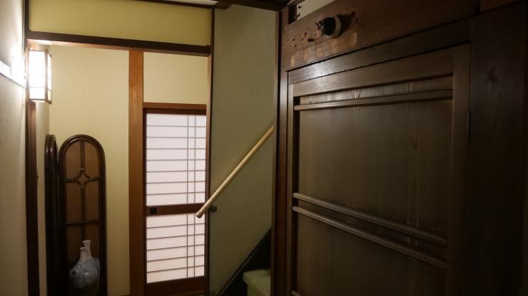 宮津の旧市街地に建つ木造三階旅館―茶六本館_a0385880_23061848.jpg