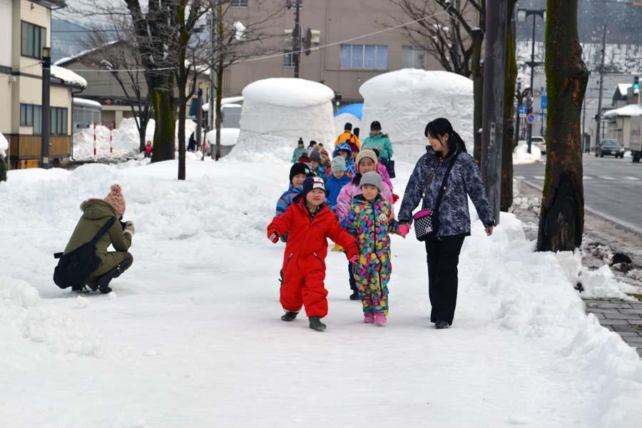 今日は、楽しみにしていた「園児雪まつり」です。_d0353789_12071162.jpg
