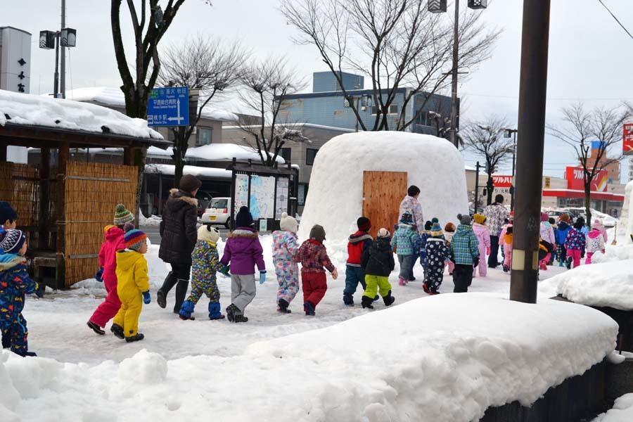 今日は、楽しみにしていた「園児雪まつり」です。_d0353789_12072006.jpg