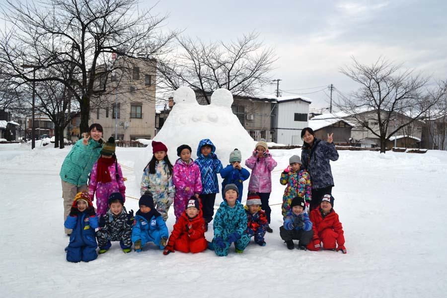 今日は、楽しみにしていた「園児雪まつり」です。_d0353789_12072850.jpg