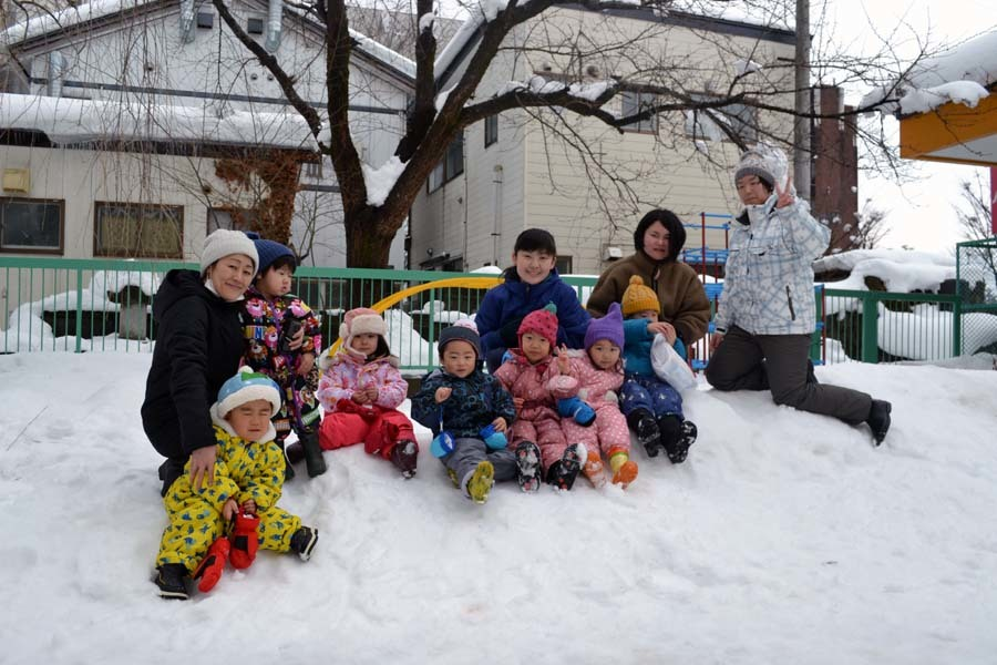 今日は、楽しみにしていた「園児雪まつり」です。_d0353789_12075439.jpg