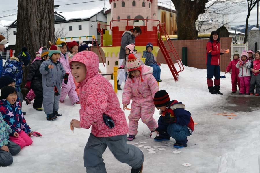 今日は、楽しみにしていた「園児雪まつり」です。_d0353789_12081973.jpg
