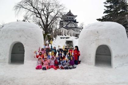今日は、楽しみにしていた「園児雪まつり」です。_d0353789_12082633.jpg