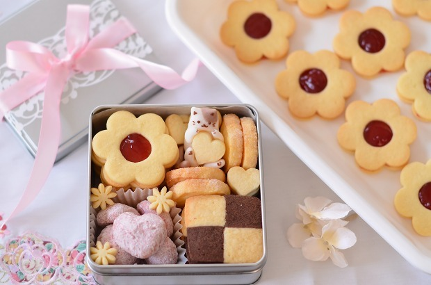 猫クッキー缶_d0025294_17465013.jpg