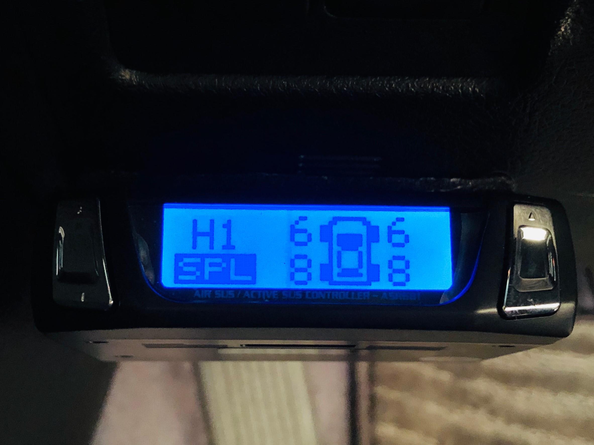 2月18日(火)ランドクルーザー200 4.6ZX 4WD BRANEWフルエアロ 有ります!!ランクル ハマー エスカレードならTOMMY_b0127002_19382328.jpg