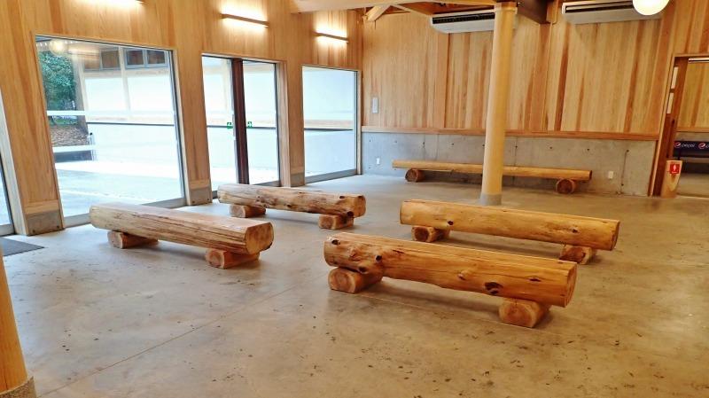 日曜は終日雨模様、弥彦の美術館を訪れました_c0336902_19420208.jpg
