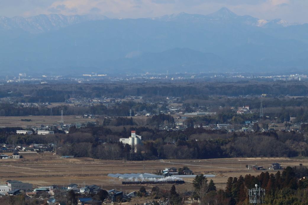 袈裟丸山から皇海山を背景に白煙 - 2020年・真岡鉄道 -_b0190710_22311312.jpg