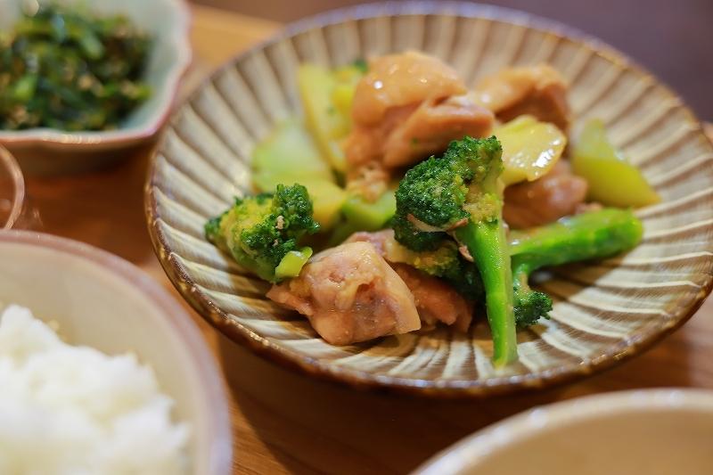 ベーグルと鶏肉とブロッコリーの味噌炒め定食(?!)_f0348831_19232697.jpg