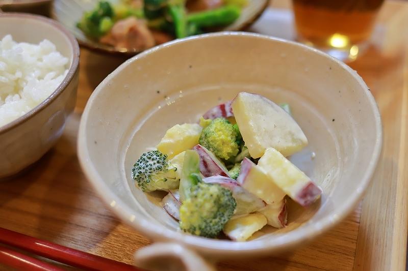 ベーグルと鶏肉とブロッコリーの味噌炒め定食(?!)_f0348831_19232778.jpg