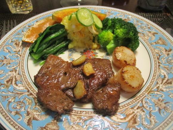 姉から貰ったお肉でステーキ_a0279743_13313060.jpg