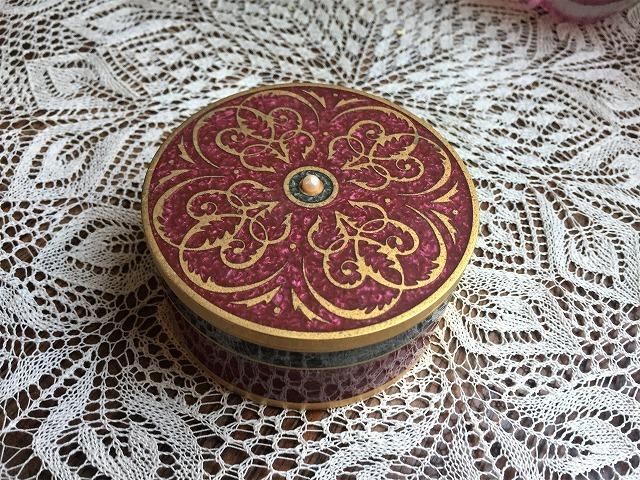 メタル円筒宝石箱_f0112550_07034975.jpg