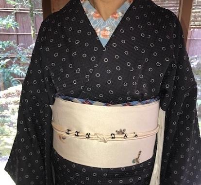 新年会・ぼよさん・ハートと丸の小紋に玩具の帯。_f0181251_18180643.jpg