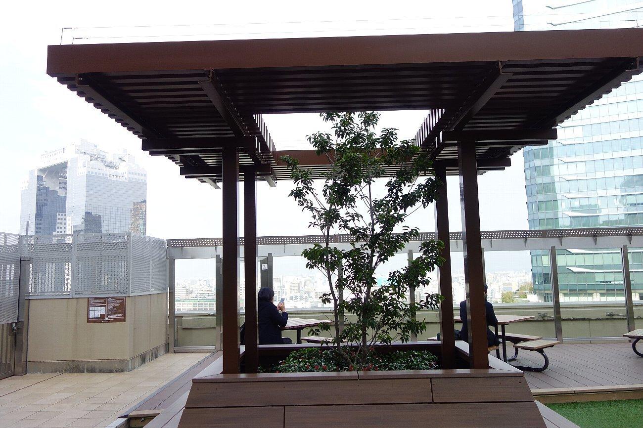 大阪ステーションシティ 風の広場_c0112559_08273730.jpg