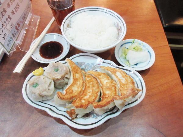 餃子専門 東亭_c0152767_17003802.jpg