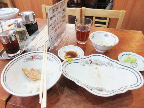 餃子専門 東亭_c0152767_17163075.jpg