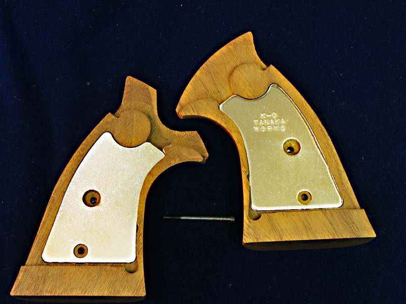 タナカ S&W Kフレームスクエア用 ウエイト入り木製グリップ_f0131995_18142165.jpg