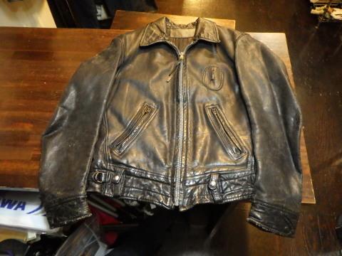 ビンテージレザージャケットの経年劣化する綿糸リペア_a0098324_18413375.jpg