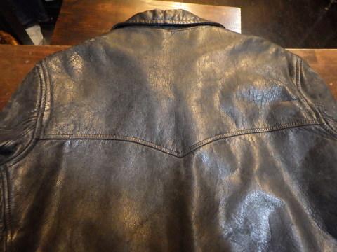 ビンテージレザージャケットの経年劣化する綿糸リペア_a0098324_18415938.jpg