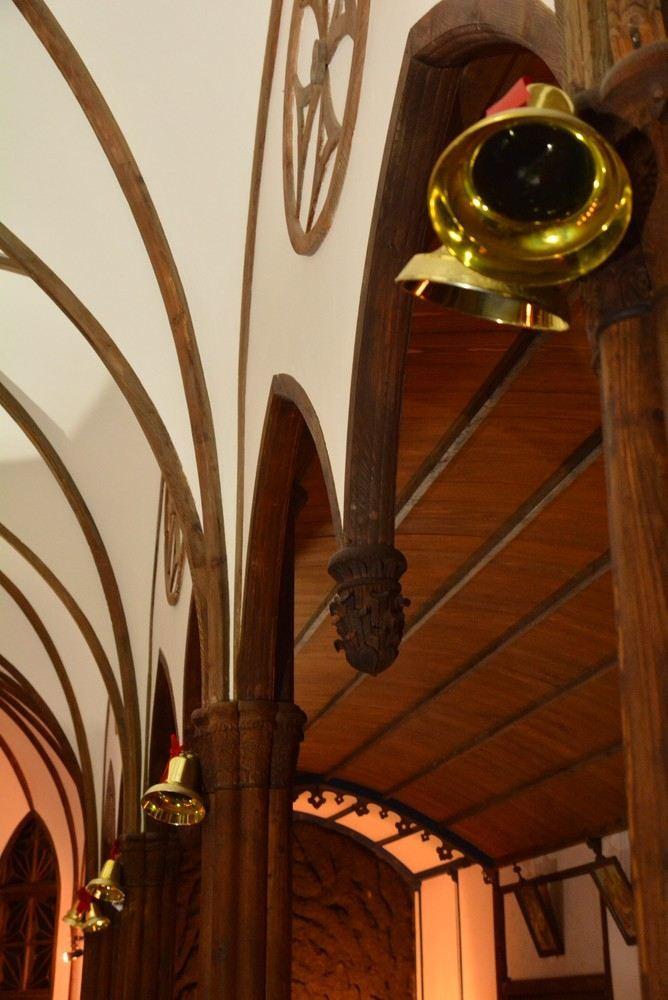 聖パウロ教会堂 クリスマス装飾とランプシェード_e0373930_21031673.jpg