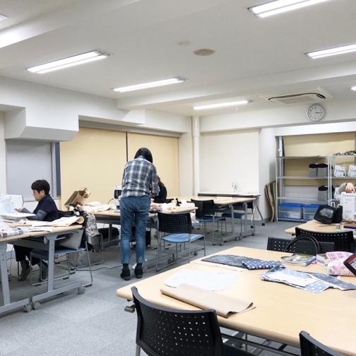 【ヴォーグ学園横浜校】制作中のバッグとマスクゴム。_f0023333_22223829.jpg