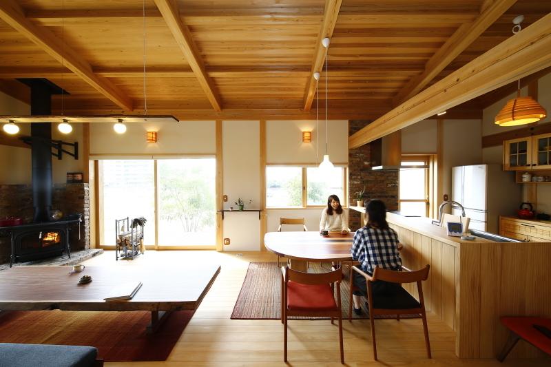 暮らしを纏うような木の家をひとつずつ丁寧に_e0412734_17453525.jpg
