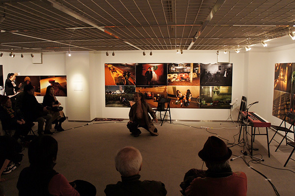 Jun Kawabata 写真展「東京失踪者 TOKYO ALIEN」 開催中です。_f0171840_18105093.jpeg