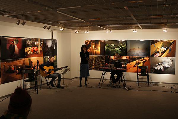 Jun Kawabata 写真展「東京失踪者 TOKYO ALIEN」 開催中です。_f0171840_18250919.jpg