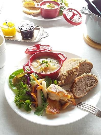 ホタテとかぶのチャウダーと「粉kona屋」のパンでワンプレート - キッチンで猫と・・・