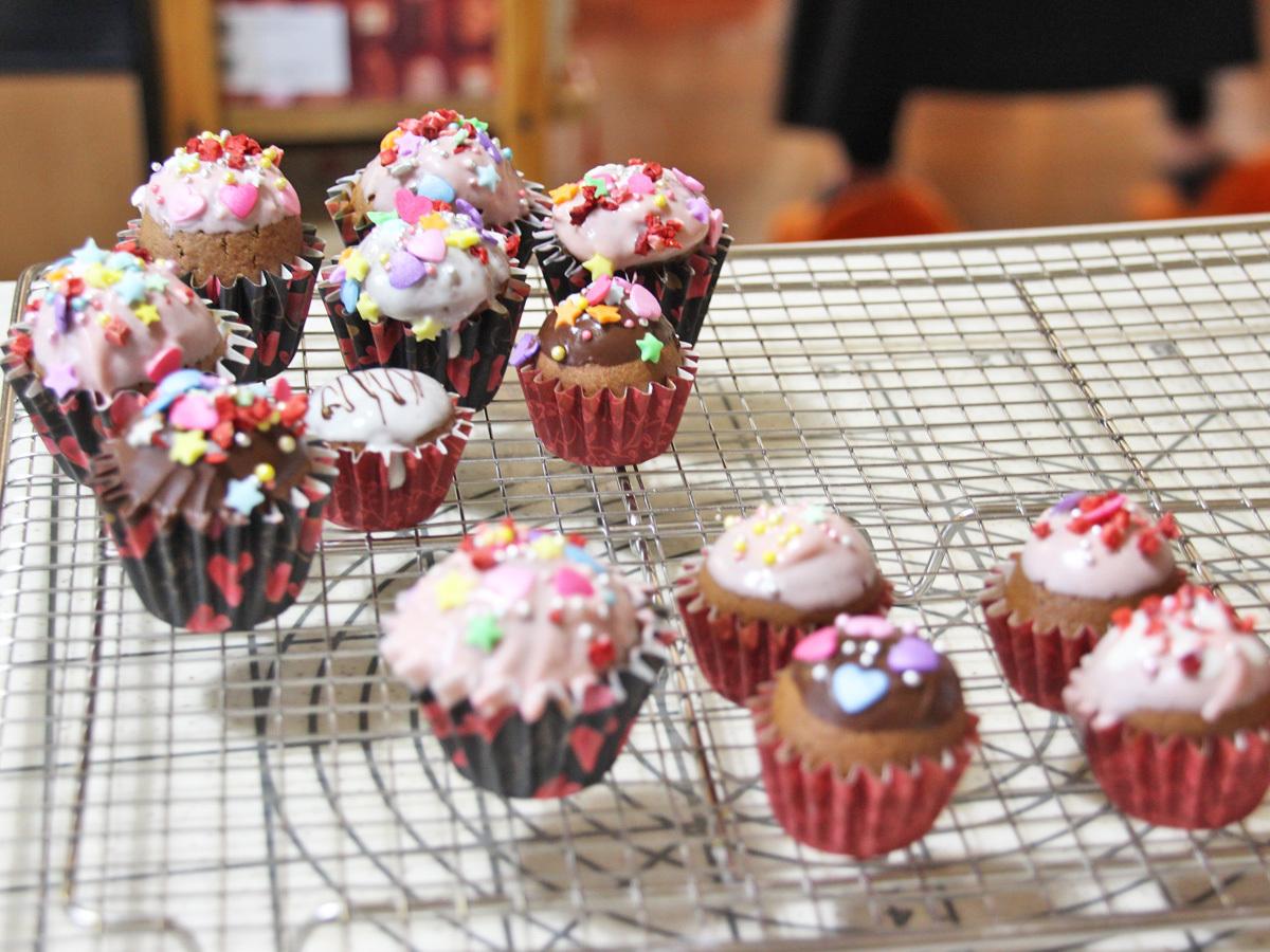デコレーションカップケーキ_a0216871_08130481.jpg