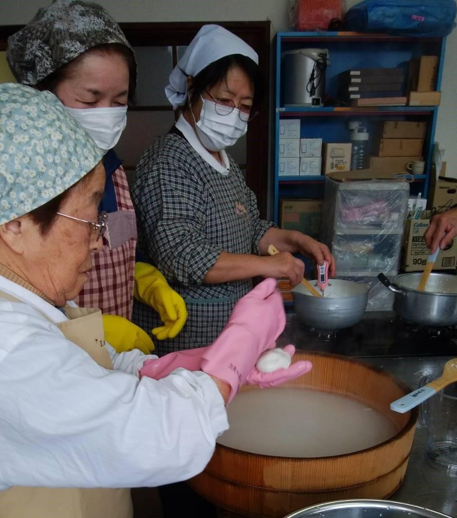 美郷町でチーズ作り_b0270977_21315390.jpg