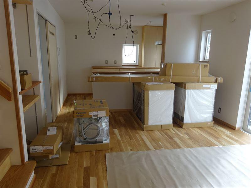 滝沢 穴口の家 施工がほぼ完了です。_f0105112_04214014.jpg