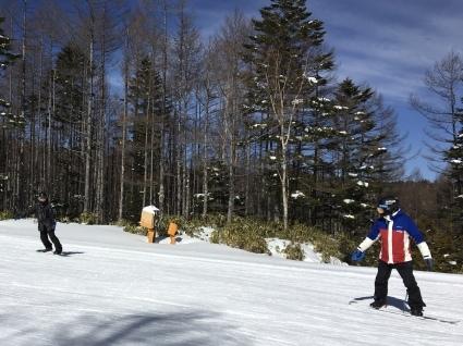 新雪からの滑りやすい圧雪バーン。_a0150315_07510582.jpg