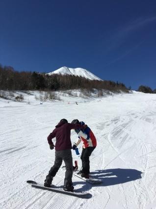 新雪からの滑りやすい圧雪バーン。_a0150315_07525468.jpg