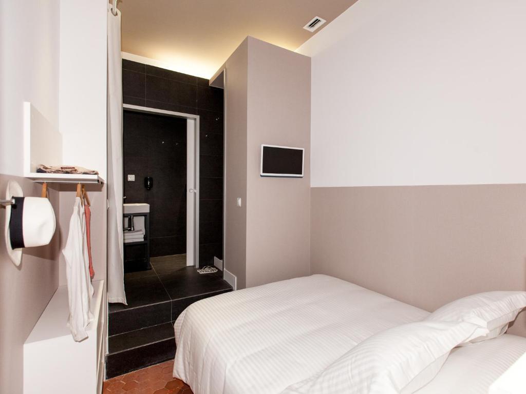 バルセロナのハズレ宿「Ecozentric」_b0305039_02035796.jpg