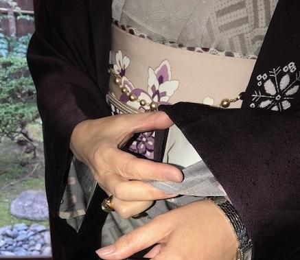 新年会・久子さま・藤井絞羽織・素敵な手作りバッグ。_f0181251_18041911.jpg