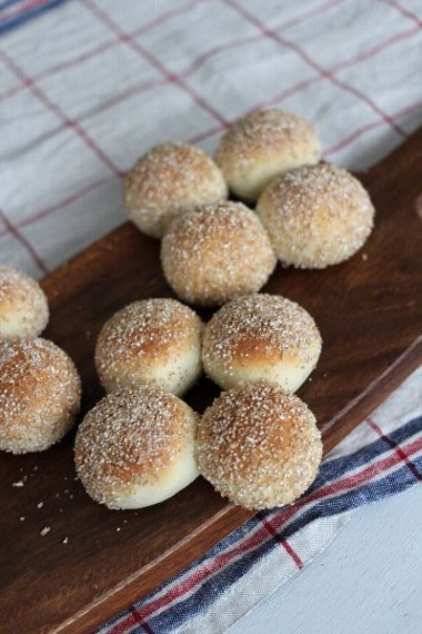 「はじめてでも超簡単!1時間パン~ 1つの生地から21種類のパンができる~」が発売されます。_f0224568_19242232.jpg