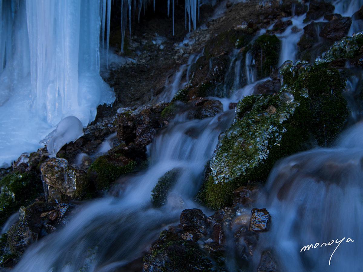 凍る滝_c0085877_00391392.jpg