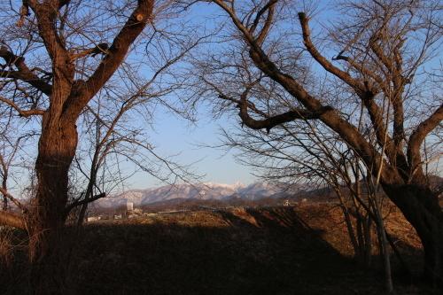 快晴の夕方、米沢キャンパスから撮影しながら自宅へ_c0075701_19572255.jpg
