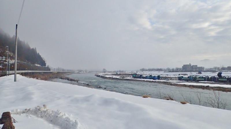 河川工事のシーズンですね_c0336902_18362410.jpg