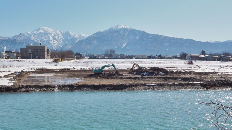河川工事のシーズンですね_c0336902_18363132.jpg