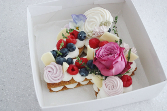 ナンバーケーキ は、4周年記念に_d0339705_23192470.jpg