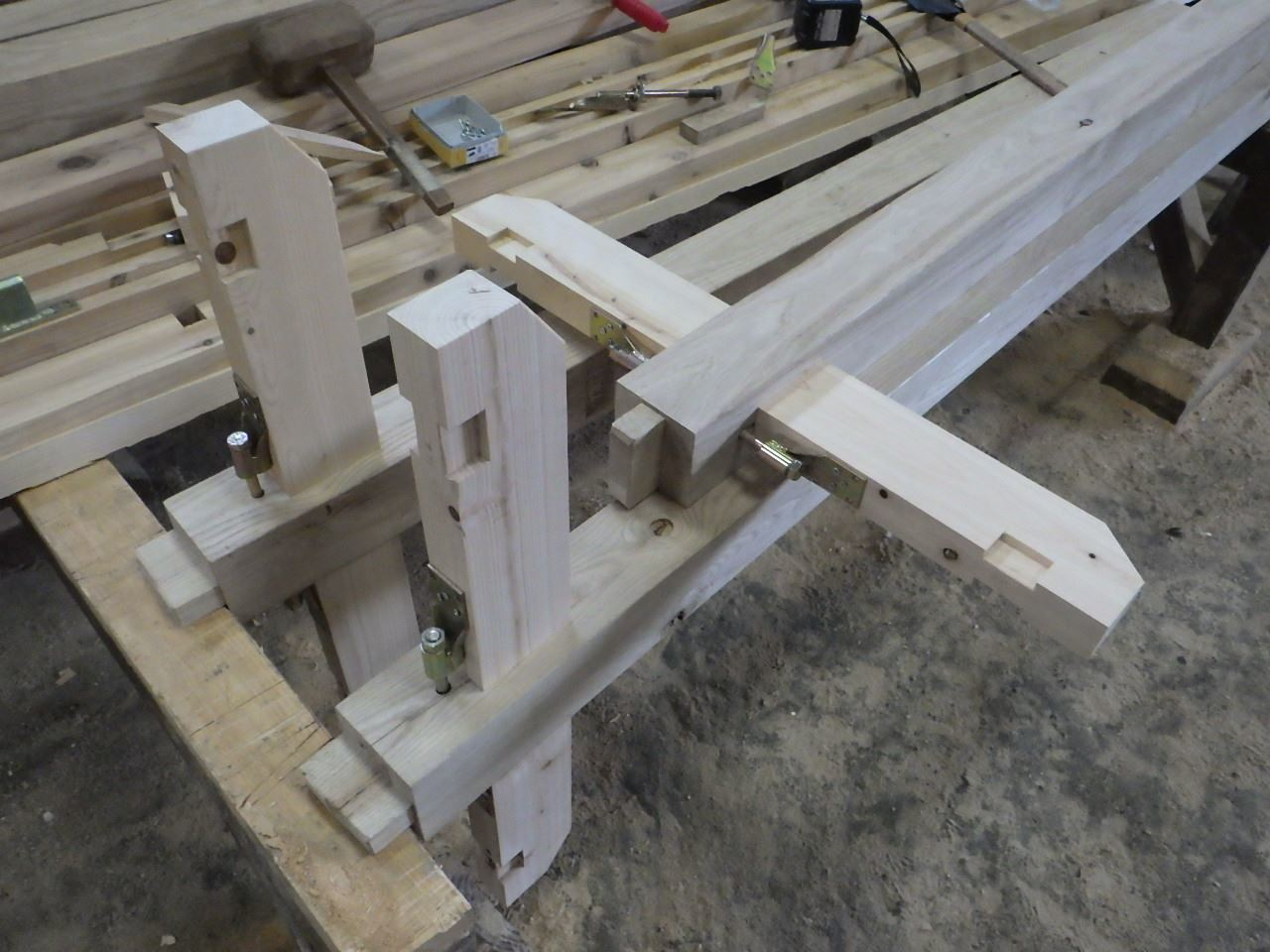 お寺の塀の建て替え工事 開始です。_f0105112_04553710.jpg
