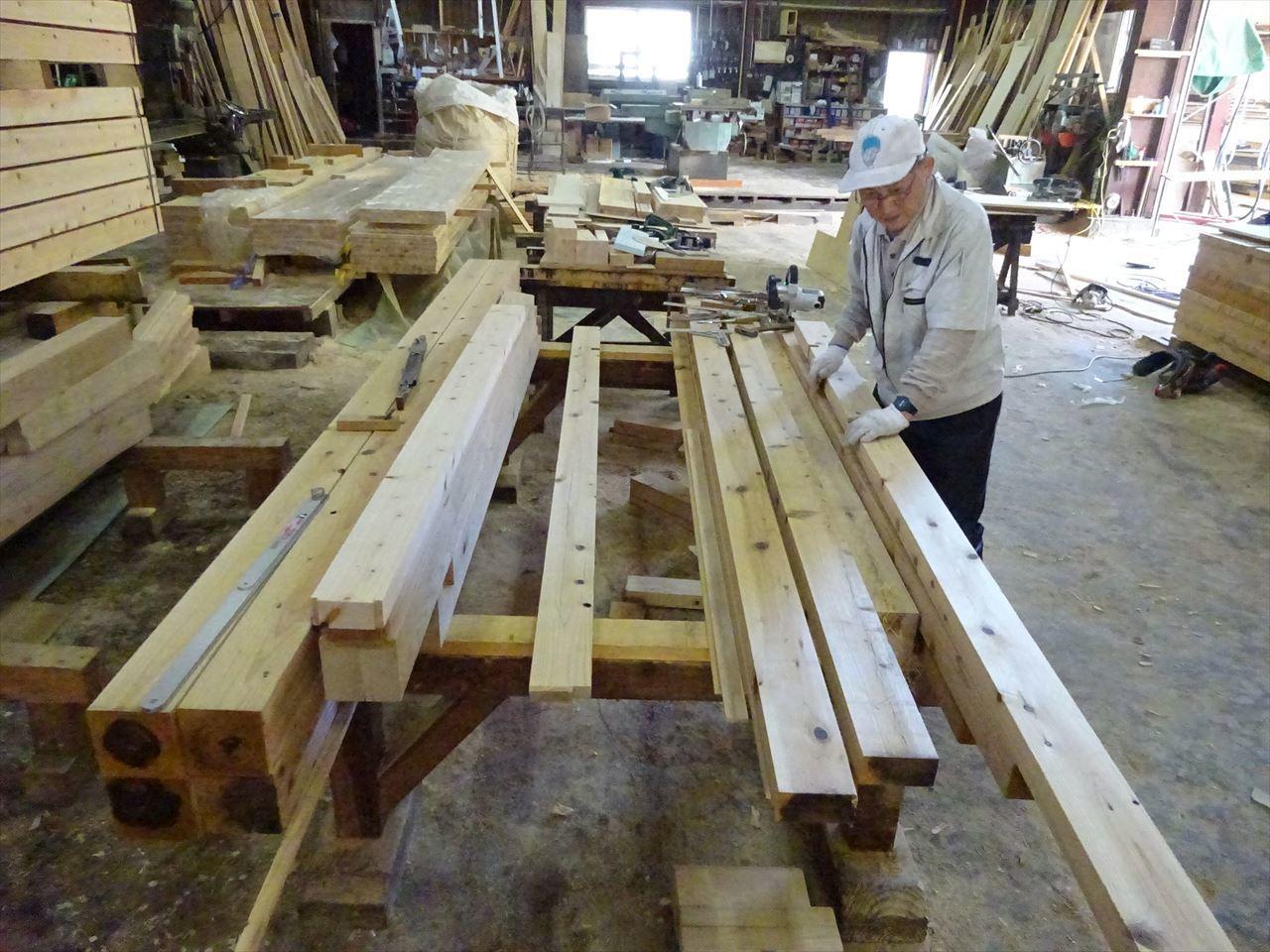 お寺の塀の建て替え工事 開始です。_f0105112_04553799.jpg