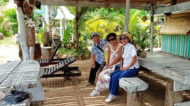 友人をウルワツの三つのビーチに案内する_d0083068_12172927.jpg