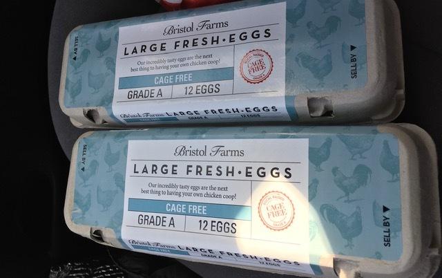 Bristol Farms でゲットしたタダの物ーすもう蜜柑、卵などなど_e0350971_13445996.jpg